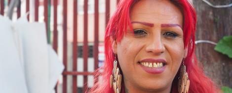 Eine Transfrau wird zum Vorbild