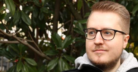 Ein 24-jähriger Deutscher manipuliert Hunderttausende Menschen