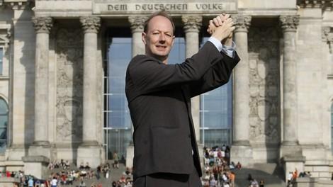 Interview mit Martin Sonneborn: Ich könnte jeden Abend in Champagner baden