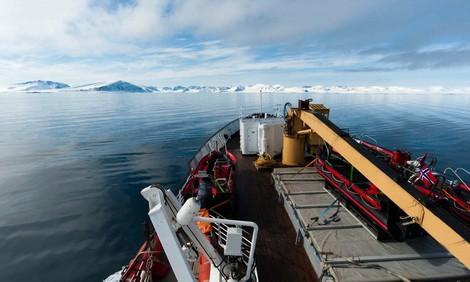 Kaum noch Eis am Nordpol – neue Schifffahrtsroute durch das Polarmeer?