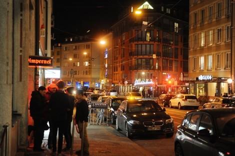 Wer meckert immer über die Münchner Bars?