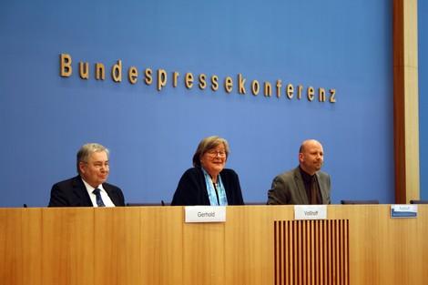 Andrea Voßhoff, der heiße Atem im Nacken der Regierung. Nicht.
