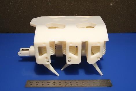 3D-gedruckte Roboter, die selbst aus dem Drucker marschieren? Gibts jetzt auch. Inklusive Hydraulik.