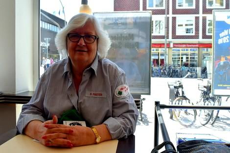Geld oder Liebe? Frau Prüter (75) kassiert beides ab
