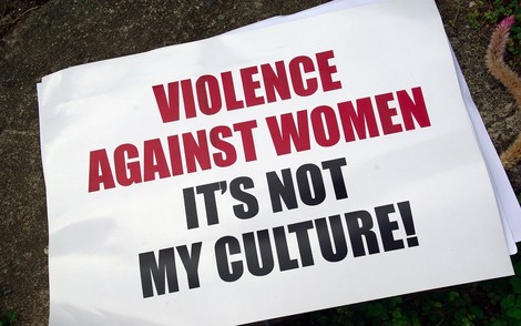 Oh nein! Sexualisierte Gewalt? In Deutschland? In diesem Ausmaß? Und das an Silvester?