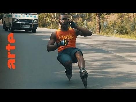 Auf Inlineskates durch Kigali: Waghalsige Stunts und soziales Engagement auf acht Rollen