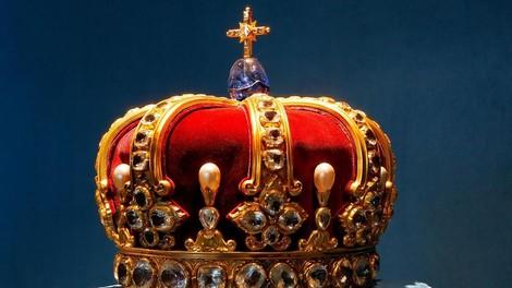 Monarchie & Impact