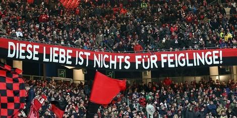 Rassismus und Homophobie in deutschen Fußball-Stadien: eine Anthologie