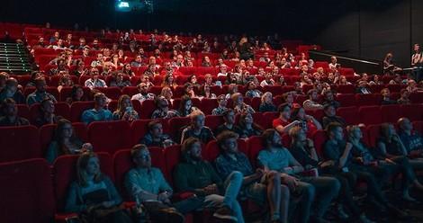 Kinos schließen, Netflix erlahmt: Wo geht's jetzt hin für Vielstreamer und Kritiker?