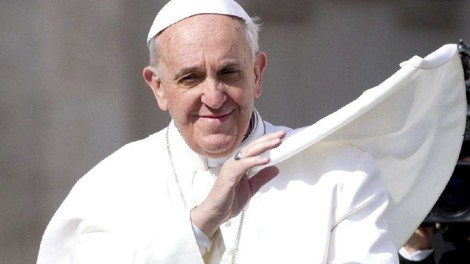 Gestern & Heute: Krieg, Armut, Naturzerstörung – der Papst klagt an