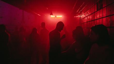 Clubbing in Coronazeiten: Unter Beobachtung tanzen